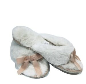 Women's White Flush Pink Bow slippers women Sz 7