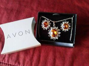 Avon Embellished Birthstone Color Gift Set November - Topaz Color