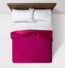 Target Opal House Collection Velvet Tufted Stitch Quilt, KING, Hot Pink