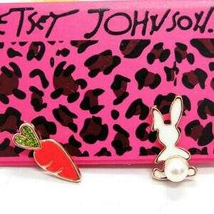 Cute New Yellow Gold Easter Enamel & Pearl Bunny Rabbit & Carrot Stud Earrings