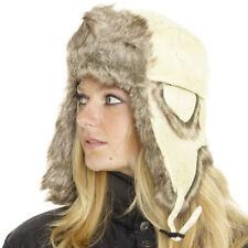 Chapeaux blanc en fourrure pour femme