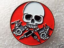 Skull and tattoo guns Biker enamel pin / lapel badge