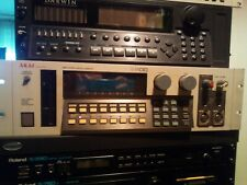 AKAI S1100 Sampler With Options fx SCSI os4.3 digi in/out 16mo