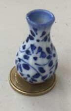 1:12 Scale Blue & White Ceramic Vase Tumdee Dolls House Flower Ornament B20