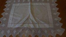 Pretty Vintage mayordomos Aparador De Lino Blanco/alfombra de la mesa 17 X 12 in (approx. 30.48 cm)