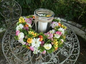 Tischkranz Blumenkranz (B), Ø 45cm mit Windlichtglas und Kerze, Blüten