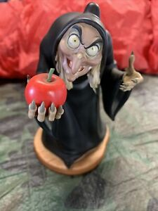 """Walt Disney Classics collection Snow White Witch """"take the apple, dearie"""""""