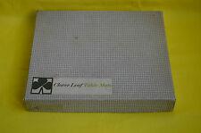 8 clover leaf table mats / 8 sets de table vintage en liège English scenes