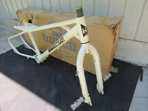 RARE N0S 1988 HUTCH FREESTYLE TRICK STYLER FRAME FORK BMX VINTAGE ABOVE STAR
