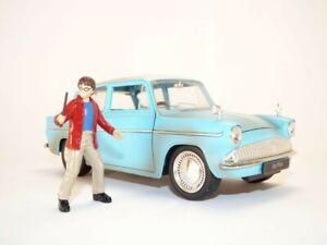 FORD ANGLIA & figurine Film Harry POTTER 1/24