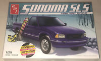 AMT 1995 GMC Sonoma Pickup 1:25 scale model car kit new 1168