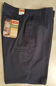 Men's Wrangler Flat Front Shorts: Regular & Plus Size Shorts:34-44-46-48-50