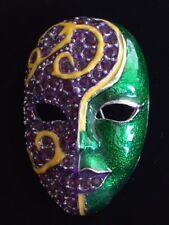 PURPLE GREEN ENTERTAINMENT MARDI GRAS MASQUERADE PARTY THEATER MUSICAL MASK PIN