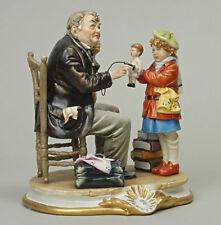 """Porcellana di Capodimonte """"IL Dottore visita la bambola """""""