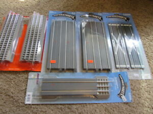 """Lionel K-LINE SuperStreets 10"""" Straights (16), RR crossing (2), utility poles"""