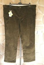 Pantalon velours vert de marque BARBOUR  54 fr 44 us étiqueté 129,90 euros