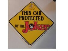 Panneau Batman de signalisation pour voiture car protected by the joker car sign