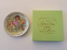 "Vintage Avon "" Love is a Song "" 1983 Mother's Day Mini Collector Plate"