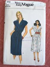 Very Easy Vogue Pattern 8704 - Retro Dress Size 8 10 12 Uncut UNUSED