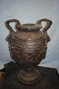 Bronze-Vase mit Löwenkopfhenkeln, Antikpatina, ca.20kg, 54cm