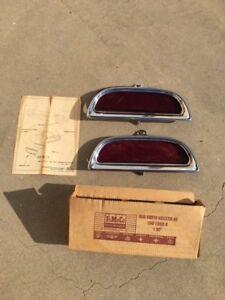 NOS 1960 Ford Galaxie Rear Bumper Reflect  COAF-17A859-B