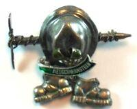 NEUSCHWANSTEIN Germany Hat Pin Brooch Badge Hiking Alps Vintage Souvenir Bavaria