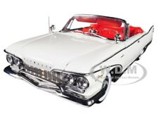 1960 PLYMOUTH FURY OPEN CONVERTIBLE OYSTER WHITE 1/18 PLATINUM BY SUNSTAR 5403