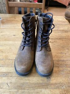 Clarks Artisan Boots Size 4.5
