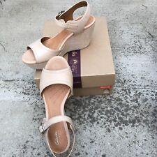 Clarks Nadana Lola h1 Women 9.5M Beige Leather Espadrille Wedge Platform Sandal
