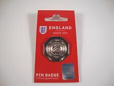 "FA Community Shield ""Pin"" Badge Cup Trophy Pokal Schale Manchester United ManU"