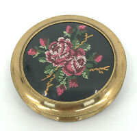 Ladies Powder Compact Needlepoint Red Roses 1950s Unused Sifter Instructions Vtg