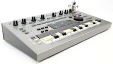 Roland MC-303 Synthesizer 303 808 909 Jupiter Juno +Neuwertig+ 1.5Jahre Garantie
