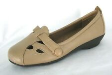 Beacon Shoes Sz 5.5 Ballet Flat Loafers Slip On Tan Beige Leather NWOB
