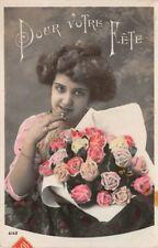 Femme avec bouquet de fleur (Pour votre fête)