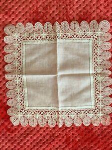 French Antique Handkerchief  - Bobbin lace edging on fine linon 20.5cm square