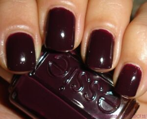 ESSIE Nail Polish, Carry On 760 100% Authentic