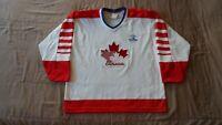Vintage Team Canada White CCM Men's Size Large IIHF Hockey Jersey