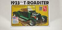 1923 Ford Model T Roadster Street Rod 1:25 Scale Model Kit [AMT1130]