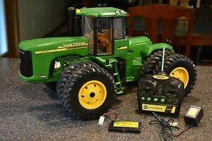 """RARE John Deere ERTL 24"""" RC 9620 Tractor w Remote, Charger & Battery Pack"""