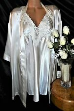 Nightgown, Peignoir Set, LX, NWT Flora Nikrooz. Ivory, satiny cool, outstanding!