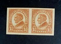 US Stamp, Scott #576 Harding Imperf pair 1925 XF/Superb M/NH. Beautiful specimen