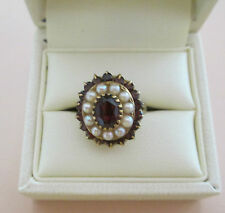 LADIES 9 CARAT YELLOW GOLD, GARNET AND PEARL CLUSTER RING