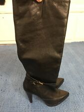 Buffalo ladies black leather knee high boots size 41 Pointed Toe