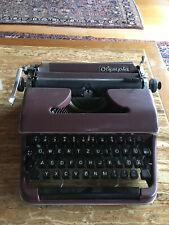 OLYMPIA SM2 burgundy tragbare Schreibmaschine