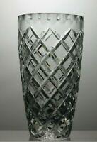 "BEAUTIFUL DESIGN LEAD CRYSTAL CUT GLASS VASE - 8"" TALL"