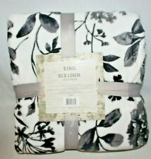 "Ultra Plush Flannel Blanket King Size 90"" x 108 "" Black Floral Garden New"