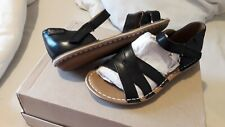NEW CLARKS BLACK  SANDALS SHOES SIZE 4 FLAT LEATHER