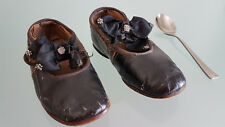VICTORIAN LEATHER SIDE BUTTON BABY DOLL CHILDRENS SHOES. ( c1890 ). NOT BAD !