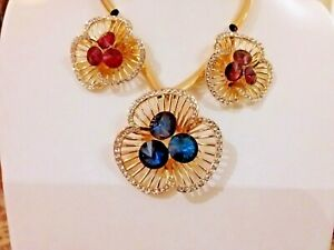8Brand new stunning  gold statement necklace with huge crystal encrusted flowers