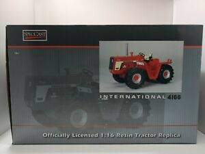 International 4166 4WD Resin 1/16 Tractor